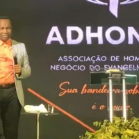 Пастор Сандей Аделаджа-7